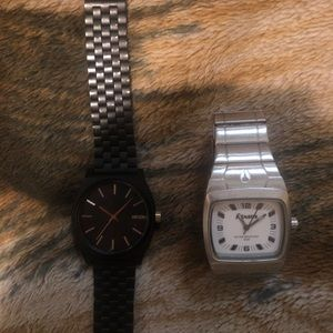6 Nixon watches in working condition!